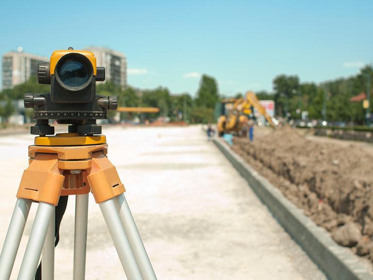 Urządzenie geodezyjne natle budowy